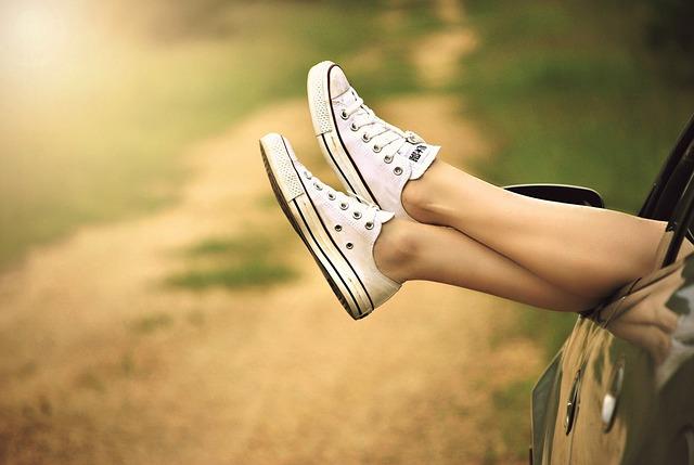 nohy v keckách