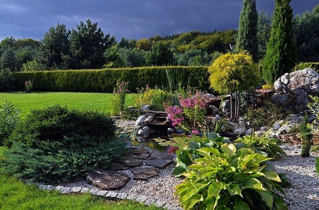 skalka v zahradě