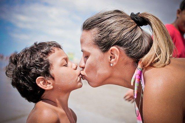 mateřský polibek