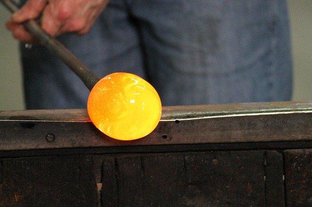 výroba ze skla