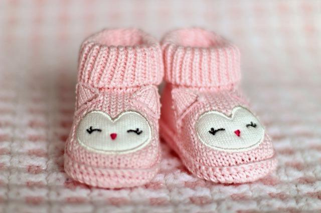 Dětské růžové pletené bačkůrky.jpg
