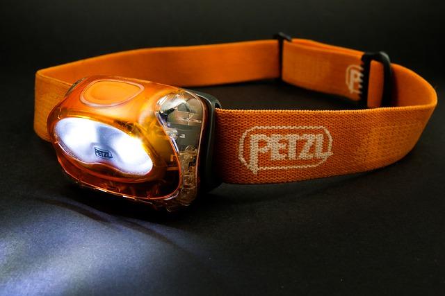 oranžová čelovka Petzl