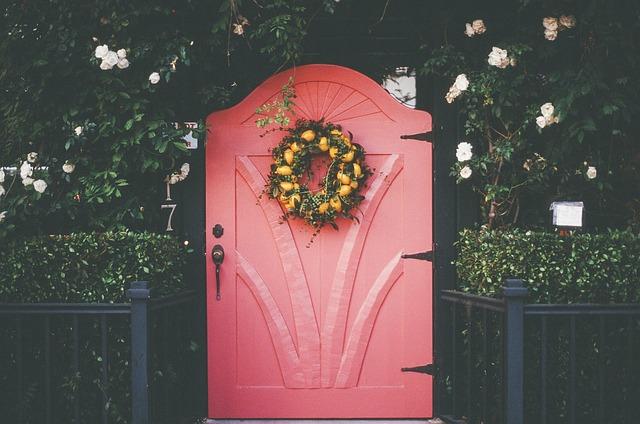 věnec na dveřích.jpg