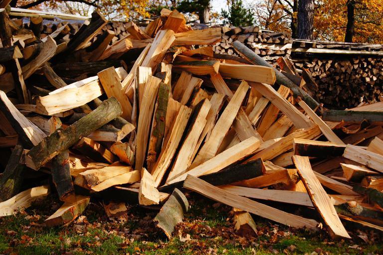 Třísky ze dřeva